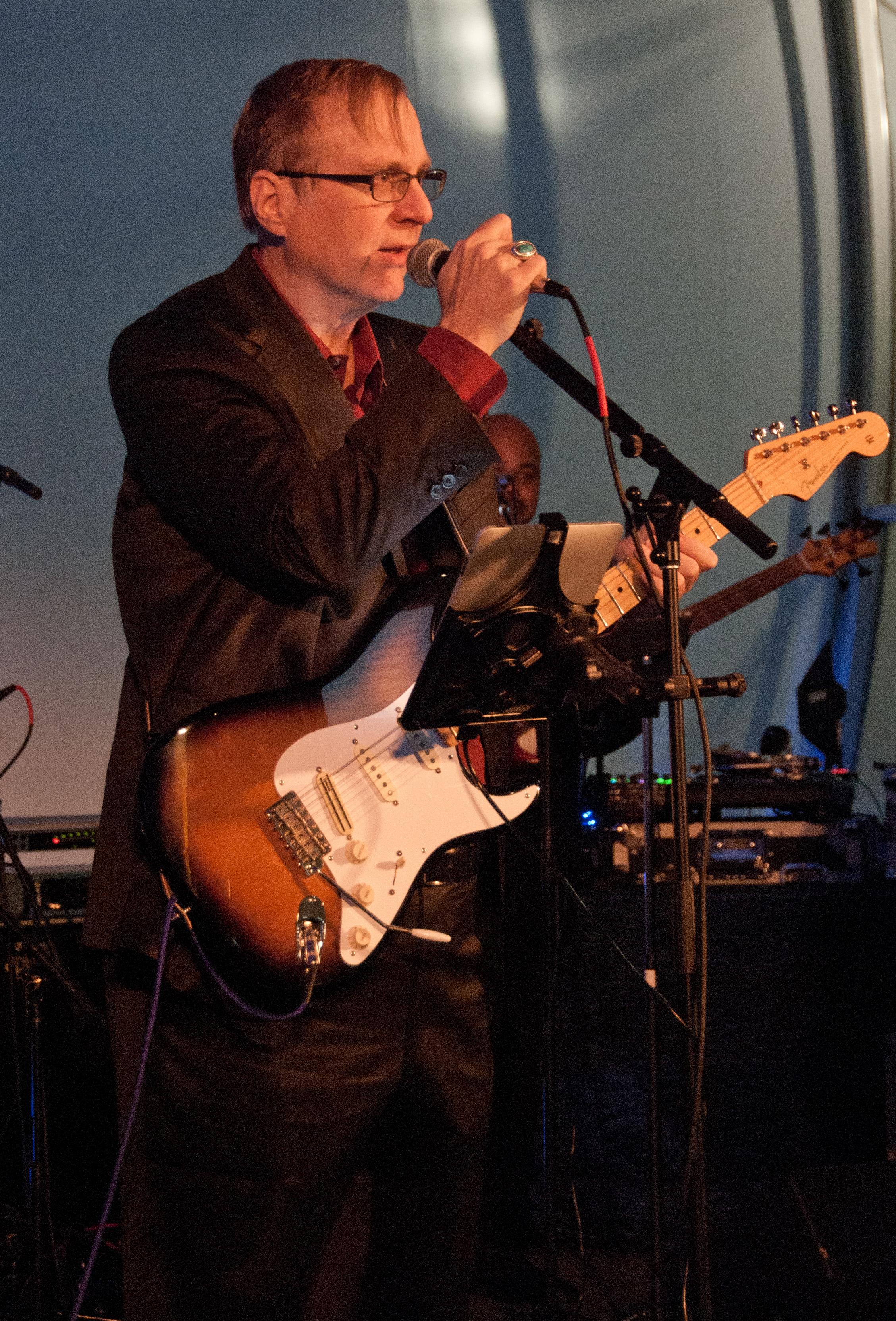 Paul Allen est aussi rockeur dans l'âme depuis son adolescence. Son inspiration ? Jimi Hendrix.
