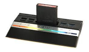 L'Atari junior, une version allégée pour la fin de vie de la famille VCS.