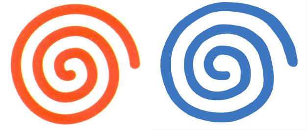 Le logo orange version japonaise et américaine, le bleu pour l'européenne.