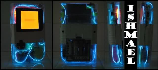 Game Boy tunée avec un EL Wire ou néon flexible