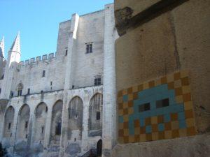 Un Space Invader à Avignon réalisé par Invader